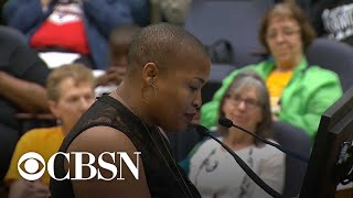Outrage at packed Fort Worth council meeting over police shooting