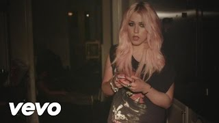 Watch Amelia Lily Party Over video