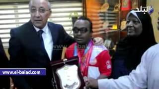 بالفيديو والصور.. محافظ أسوان يكرم أحمد فخري لحصوله على ذهبية الألعاب الأولمبية بلوس أنجلوس
