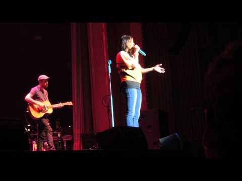Sara Evans performing Cheatin in Charlottesville, VA