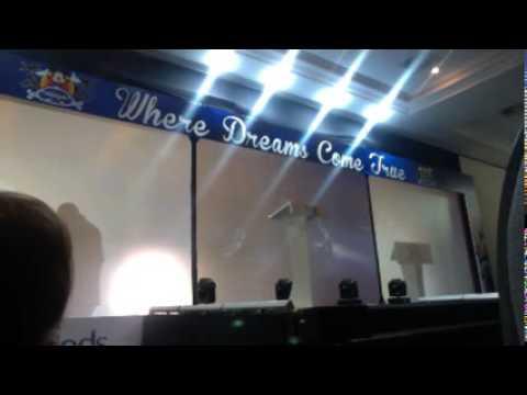 Transmissão ao vivo de Minds English ...