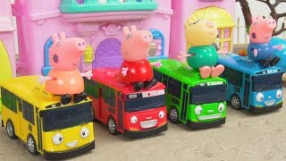 Peppa Pig and Tayo the Little Bus toys play