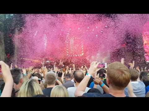 The killers @hyde park london Barclaycard British summer time - the man
