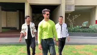 Deewani Hai Dekho Bekarar Video | Kareena Kapoor, Hrithik Roshan Tiger Shroff