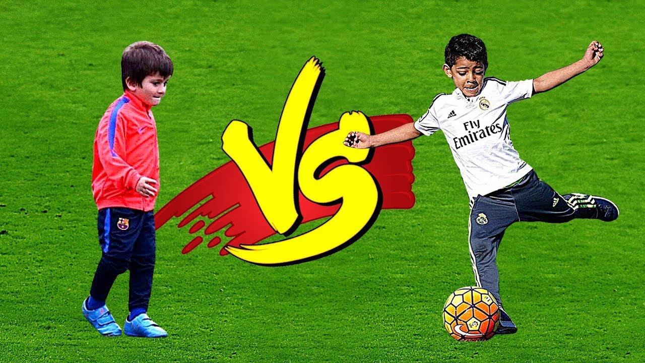 Криштиану роналду играет в футбол в детстве