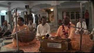 Mayapur Bhajans - Hare Krishna - 2/6
