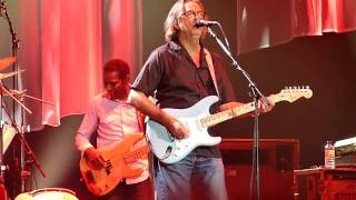 "ERIC CLAPTON & STEVE WINWOOD ""Key To The Highway"" ISS Dome 28-05-2010"