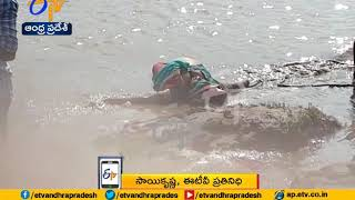 Several missing as boat capsizes in East Godavari district | Live Updates