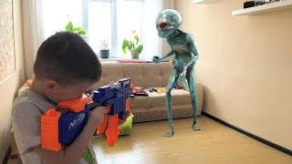 Nerf Game : Alien vs Bogdan // НЕРФ Игра Папу похитили ПРИШЕЛЬЦЫ