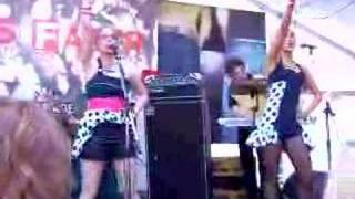 "The Pipettes ""Your Kisses Are Wasted On Me"" (FADER SXSW"