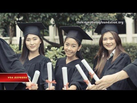 Trao học bổng cho học sinh gốc Việt xuất sắc (VOA)