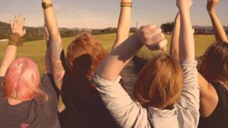 Смотреть клип Gabrielle - # Sitter Her