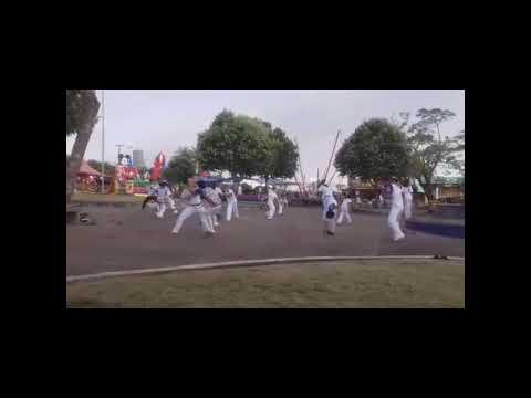 Capoeira Raízes de Rondônia recreação na Praça.