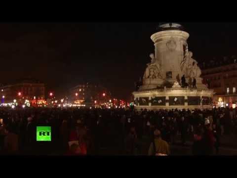 Charlie Hebdo: nouveau rassemblement Place de la République