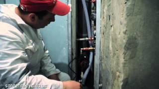 Монтаж повышающего давление насоса и накоп  бака(http://santehnik-yalta.ru/ Небольшой видео-обзор смонтированных накопительного бака ёмкостью 300 л и повышающего давлен..., 2012-04-29T21:05:02.000Z)