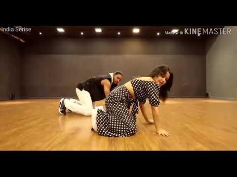 aankh-marey-neha-kakkar-dances-to-her-own-song