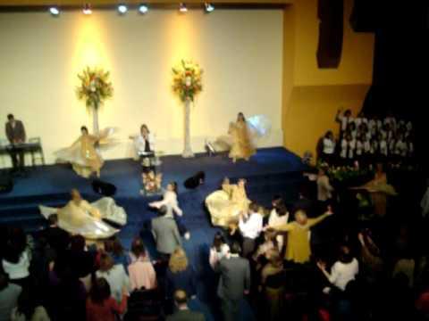 Danza Digno y Santo