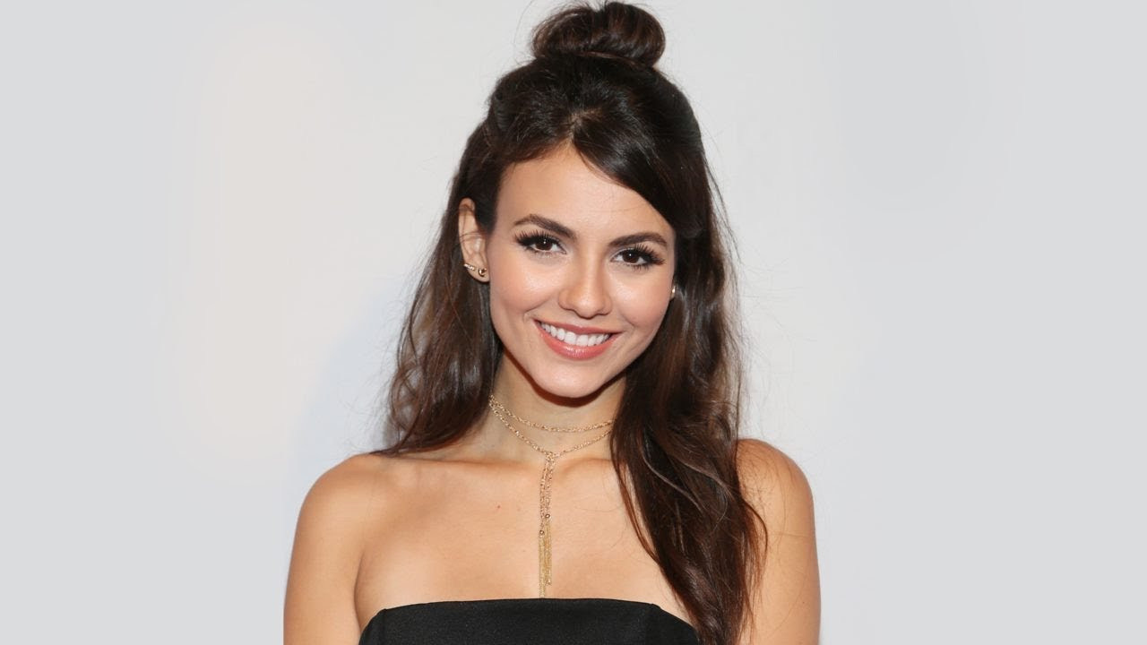 Victoria Justice bathing suit