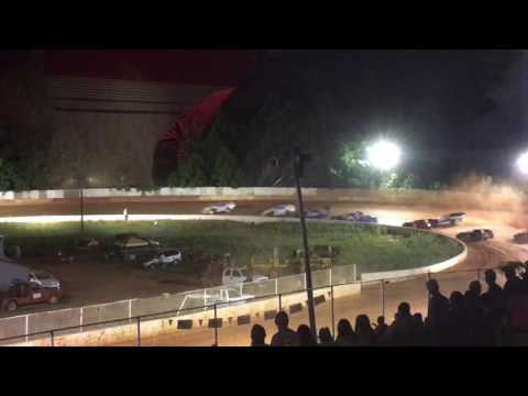 East Lincoln Speedway on the Call. :35 secs.