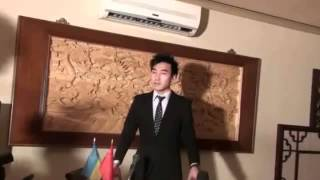 Китаєць вільно володіє українською мовою