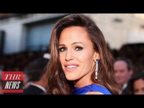 Jennifer Garner Tries to Explain Her Viral Oscars Moment  THR