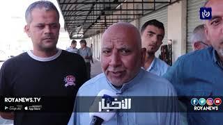 أصحاب محلات تجارية في مجمع إربد يغلقون محلاتهم