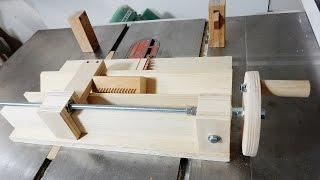 Spline Jig With Adjustable Stop