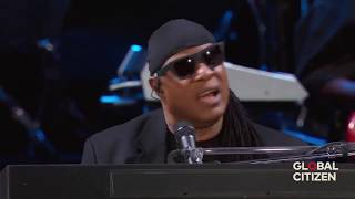 Stevie Wonder and New York crowd sing We Are the World,My Cherie Amour @ Central Park New York