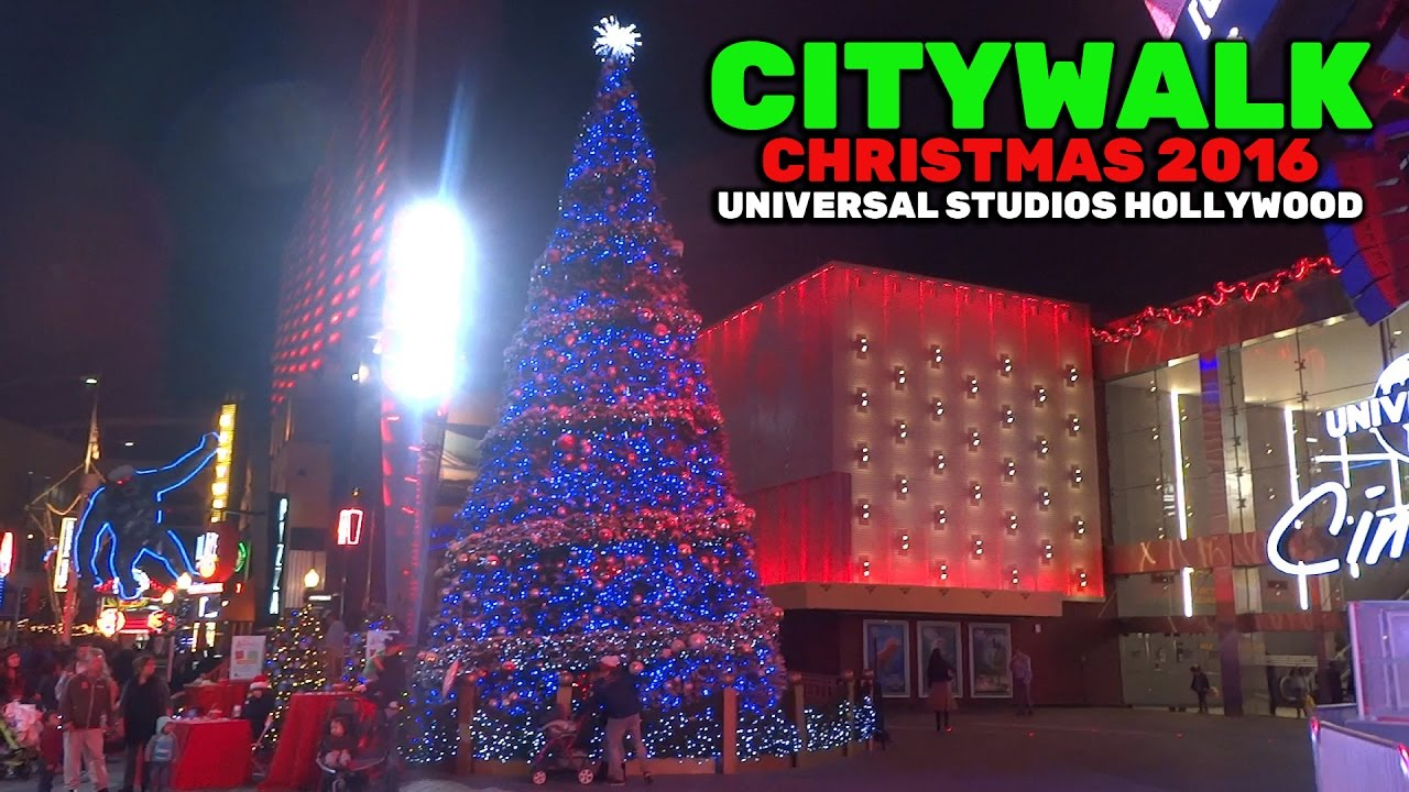 Universal CityWalk Christmas decorations and lights at ...