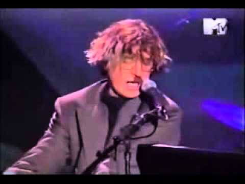 Pasajera En Trance - Charly Garcia Unplugged (HQ audio)