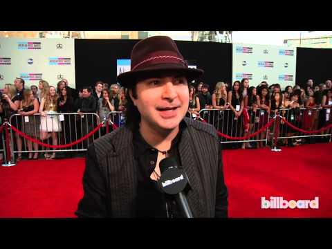 Kevin Rudolf on the AMAs Red Carpet 2013