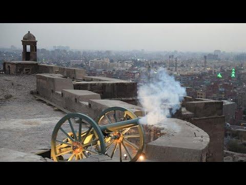 شاهد: مدفع رمضان يضرب من جديد في القاهرة معلنا وقت الإفطار بعد ثلاثين سنة من الصمت…  - نشر قبل 24 دقيقة