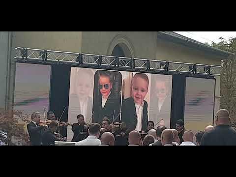 Így hegedült Mága Zoltán L.L. Junior kisfiának temetésén letöltés
