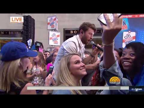 Brett Eldredge   |   Wanna Be That Song (Live On Today Show, August 7, 2017)