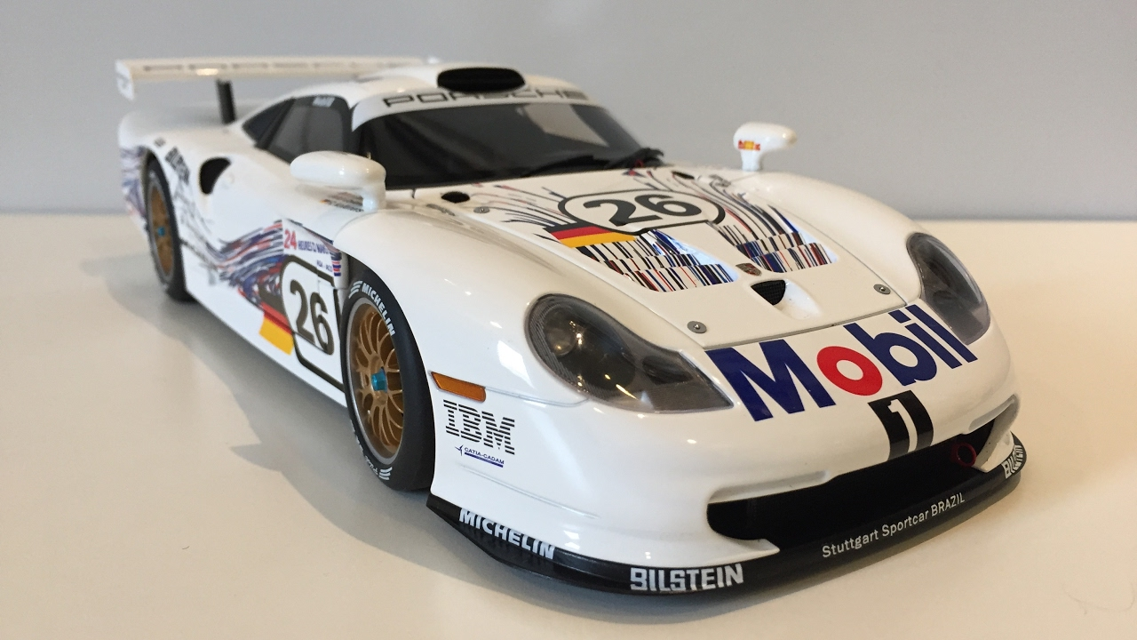 1 18 autoart porsche 911 gt1 1997 le mans 26 youtube. Black Bedroom Furniture Sets. Home Design Ideas