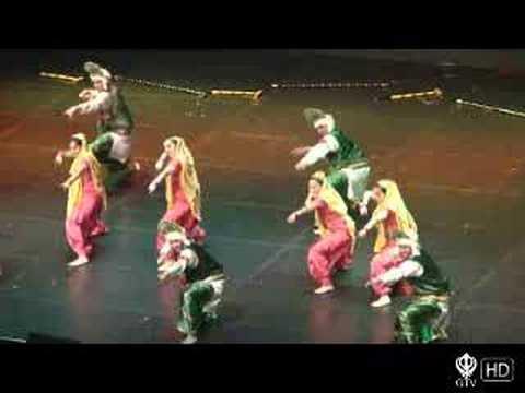 Duniya Allstars – Bruin Bhangra 2006