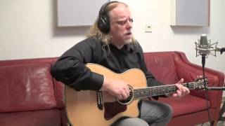 Watch Warren Haynes Glory Road video