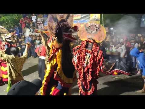 BARONGAN JEBOLNE PAGER!!! TARI RAMPAK SINGO BARONG LEGOWO PUTRO LIVE PASAR WARUJAYENG