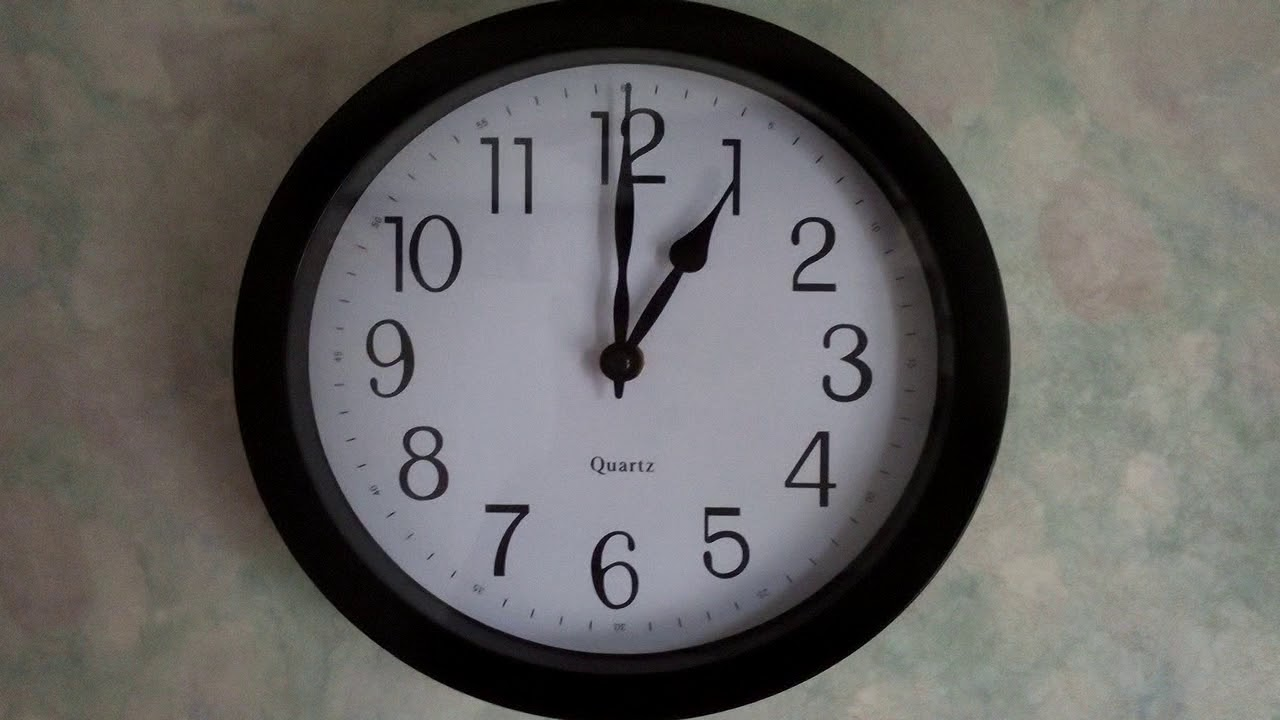This Clock Is Chiming Moscow Kremlin Chime At 1 00 Youtube
