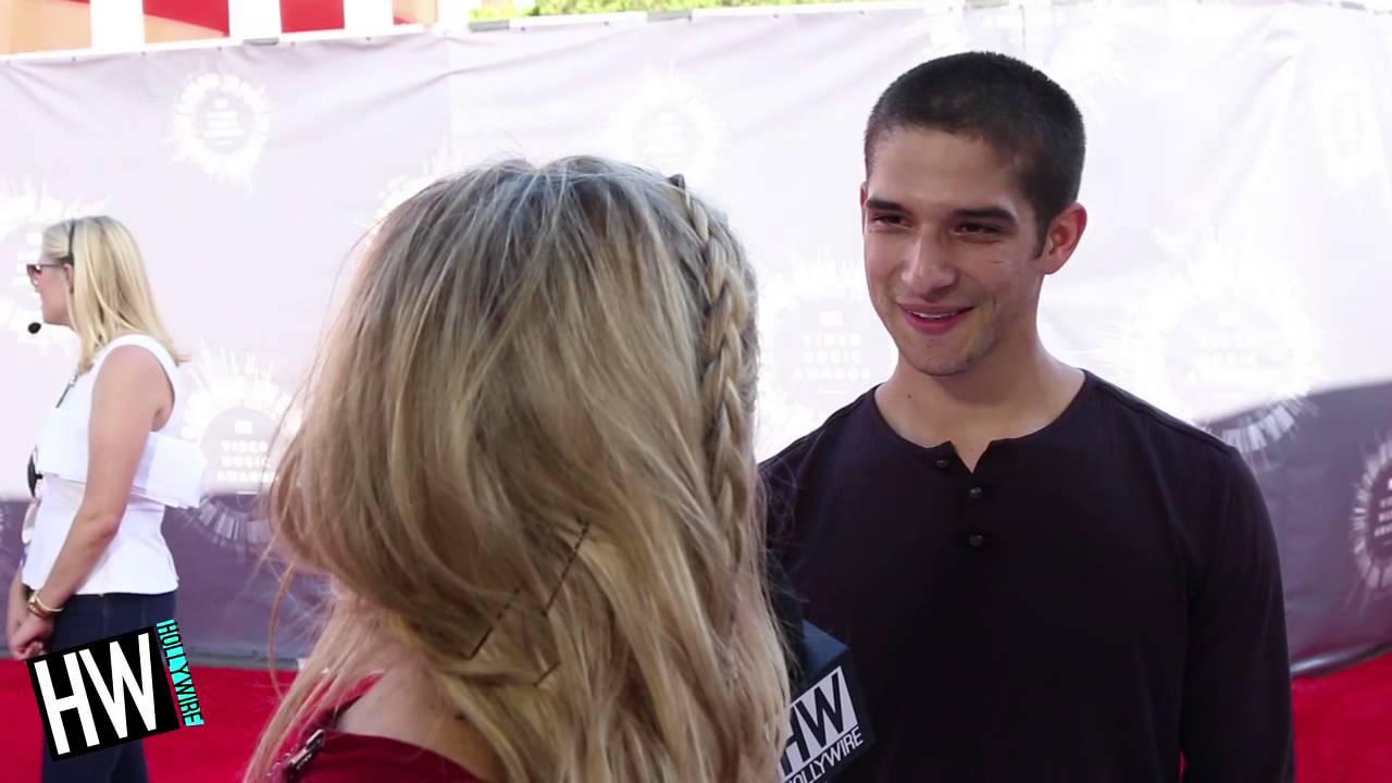 tyler posey drops �teen wolf� season 4 spoilers amp talks