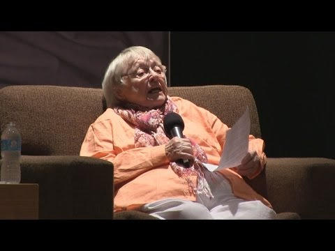 Ursula voice actress Pat Carroll reads Madame Leota lines from The Haunted Mansion