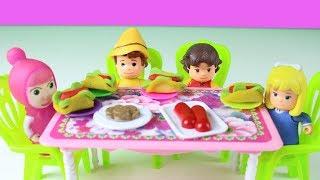Maşa Küçük Maşa Heidi Ve Claraya Yemek Yapıyor Eğlenceli Oyunlar Oynuyorlar Çizgi Film