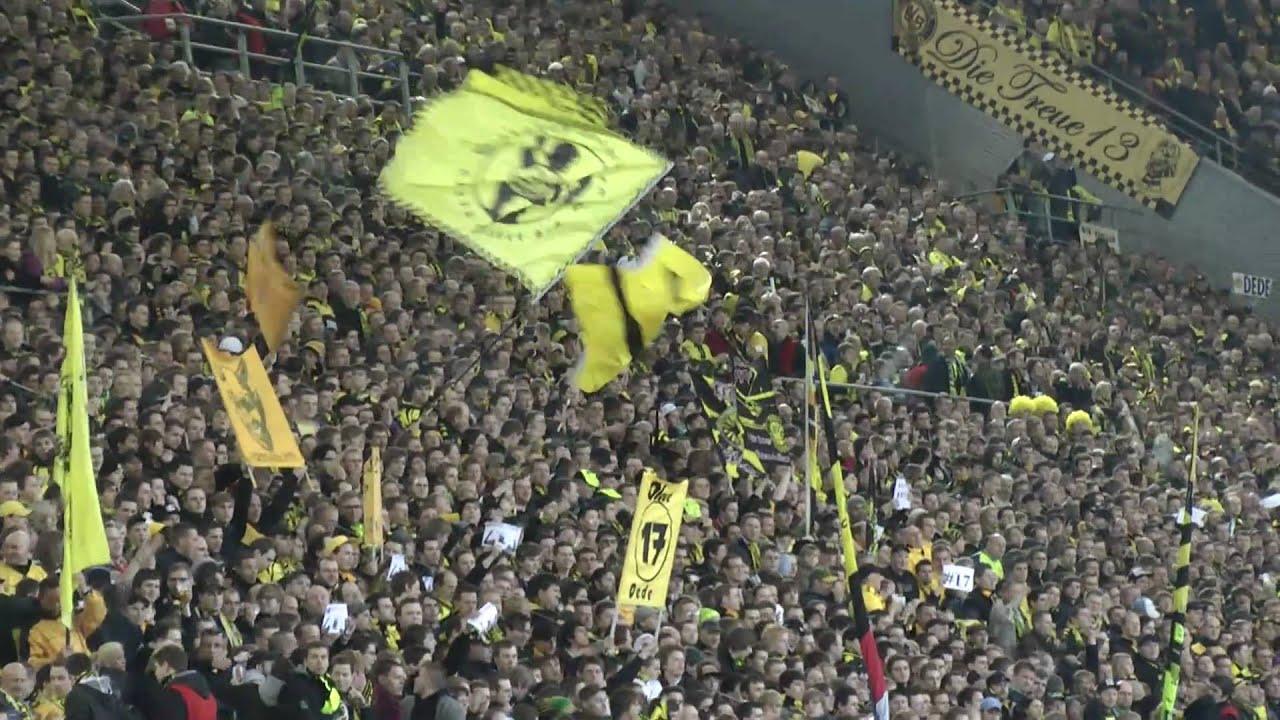 BVB - Mainz Mannschaftsaufstellung Borussia Dortmund - Nobby Dickel