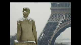 Yves Montand. Sous le ciel de Paris.