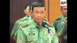 Panglima TNI Wiranto Memperhentikan Danjen Kopassus Prabowo Subianto