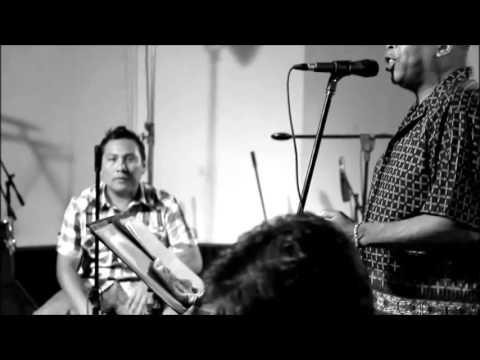 """TITO MANRIQUE - COSA NUESTRA/SALSA CRIOLLA  EN VIVO - """"Aparentemente"""""""