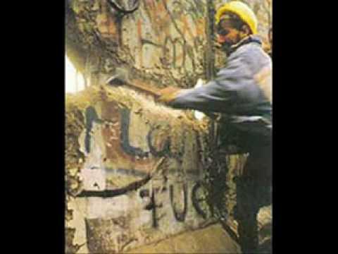 berlin-wall-falls