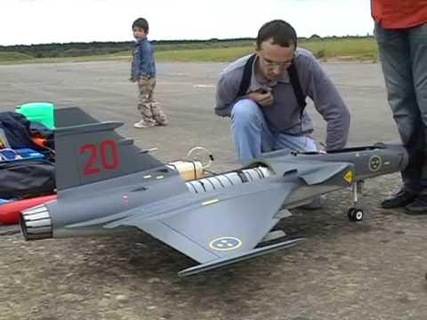 Saab Gripen JAS-39 Jetlegend Bricy - YouTube