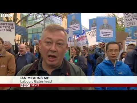 Junior doctors march in Newcastle over contract dispute