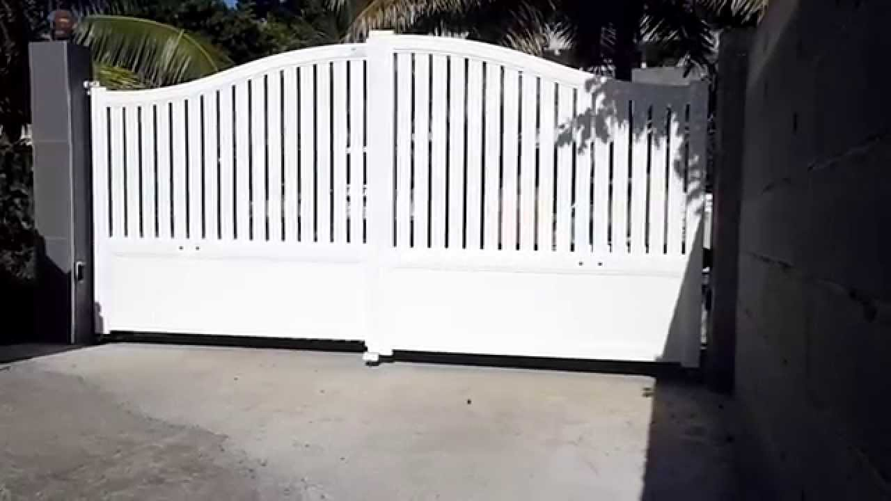 portail deux vantaux en aluminium youtube. Black Bedroom Furniture Sets. Home Design Ideas